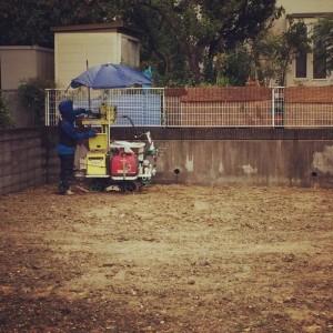解体が済んで更地になったら地盤調査。|神戸市西神中央の注文住宅 モスハウス田端の現場中継
