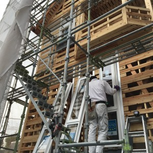 窓サッシ取り付け|神戸市垂水区塩屋町の注文住宅 モスハウス田端の現場中継