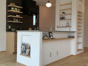 かわいらしいキッチン|神戸市西神中央の注文住宅 モスハウス田端の現場中継