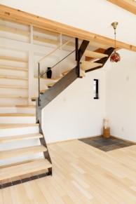 コの字型階段|神戸市西区の注文住宅 無添加住宅専門モスハウス田端の施工事例