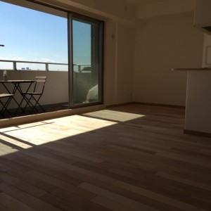 養生捲り、清掃が済みきれいになったリビング。|神戸市灘区のマンションリノベーション 無添加住宅専門店モスハウス田端