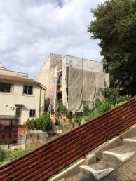 神戸市須磨区 傾斜のある施工現場|神戸市須磨区でリノベーション工事 無添加住宅専門モスハウス田端