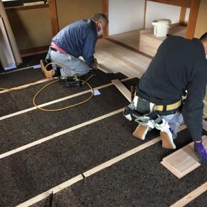 床材はシンゴン、断熱材は炭化コルクで。|兵庫県多可郡にて和室リノベーション モスハウス田端