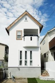 漆喰の家 尖がり屋根 無添加住宅