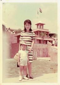 母と幼いころの私